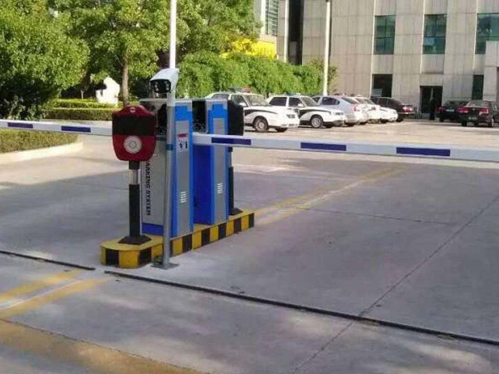 汶川-鼎泰花园安装车牌识别系统